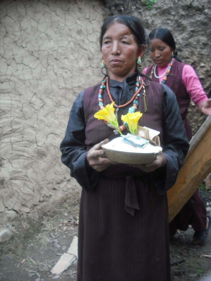 2 Bild 7 Bhotiakvinna